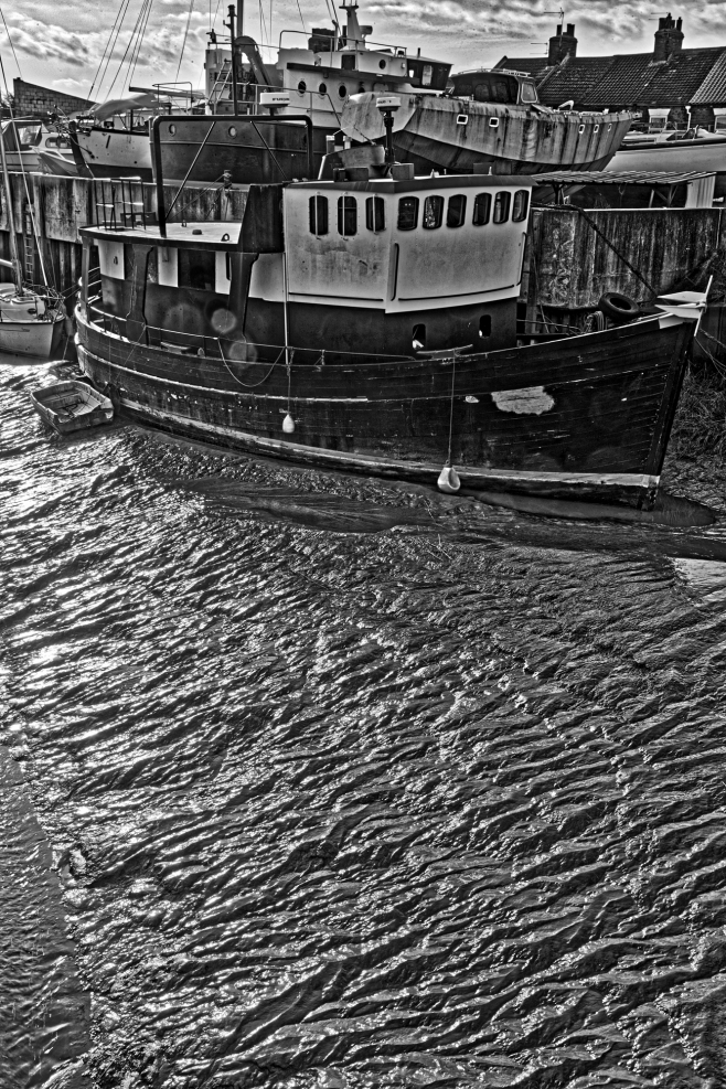 The Old Boat on the Mud