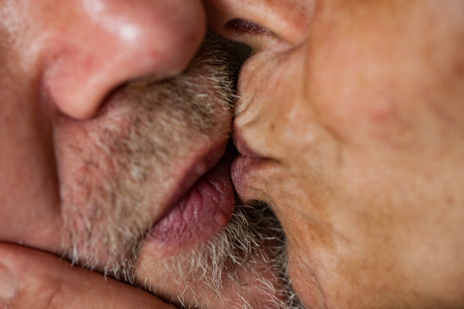 The Kiss (2)