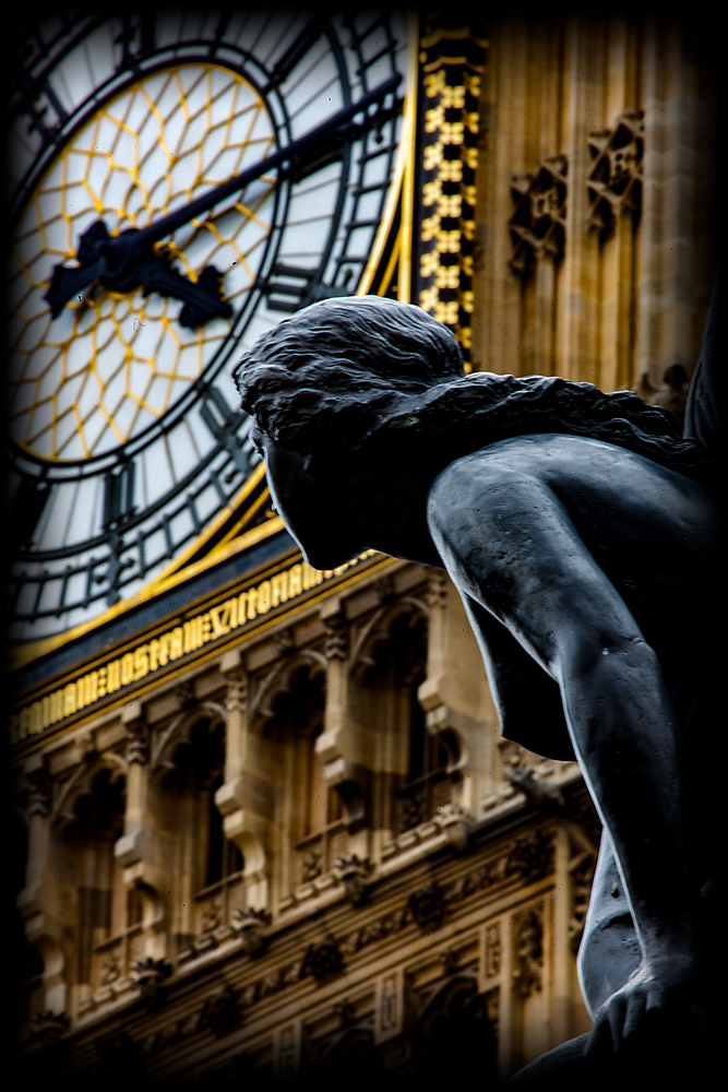 The Statue and the Clock