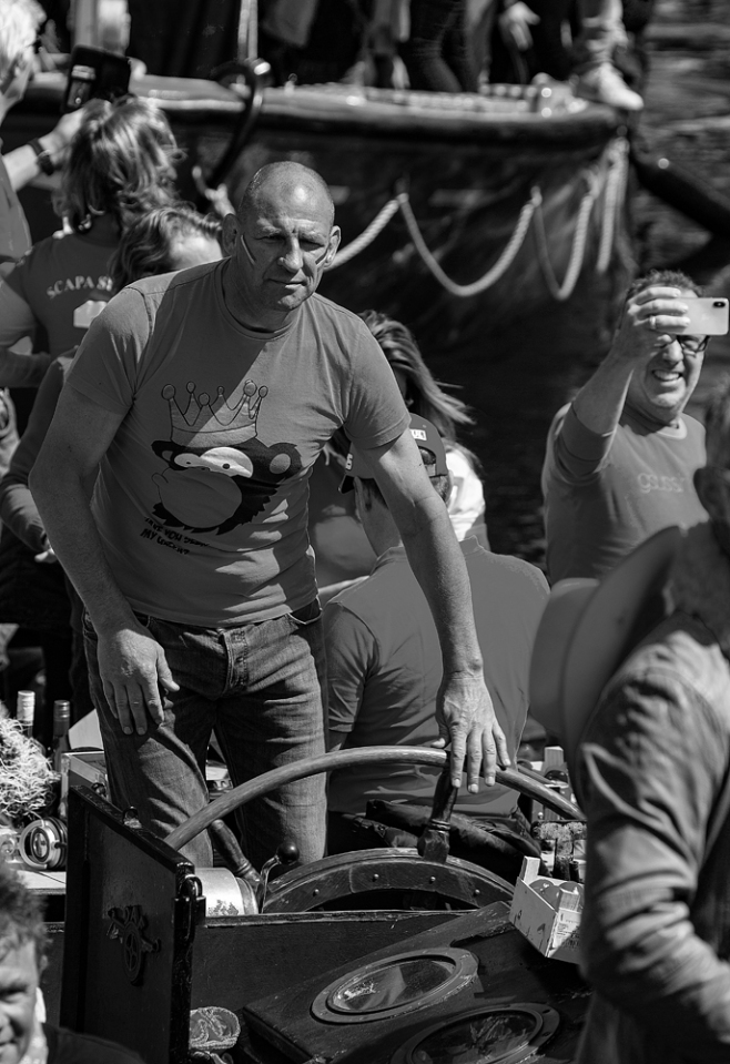 THE KING'S DAY, AMSTERDAM (18): The Helmsman