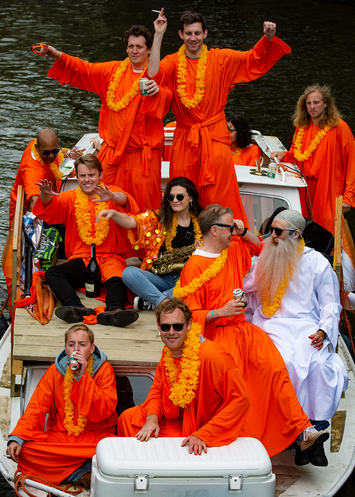 The King's Day, Amsterdam (6):The Orange Crew