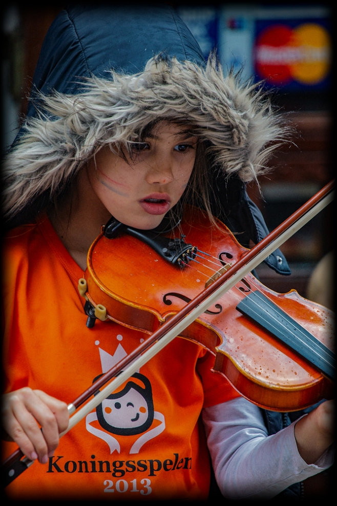 The King's Day, Amsterdam (2): The Violinist