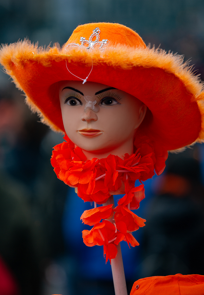 THE KING'S DAY, AMSTERDAM (30): The Head on a Stick