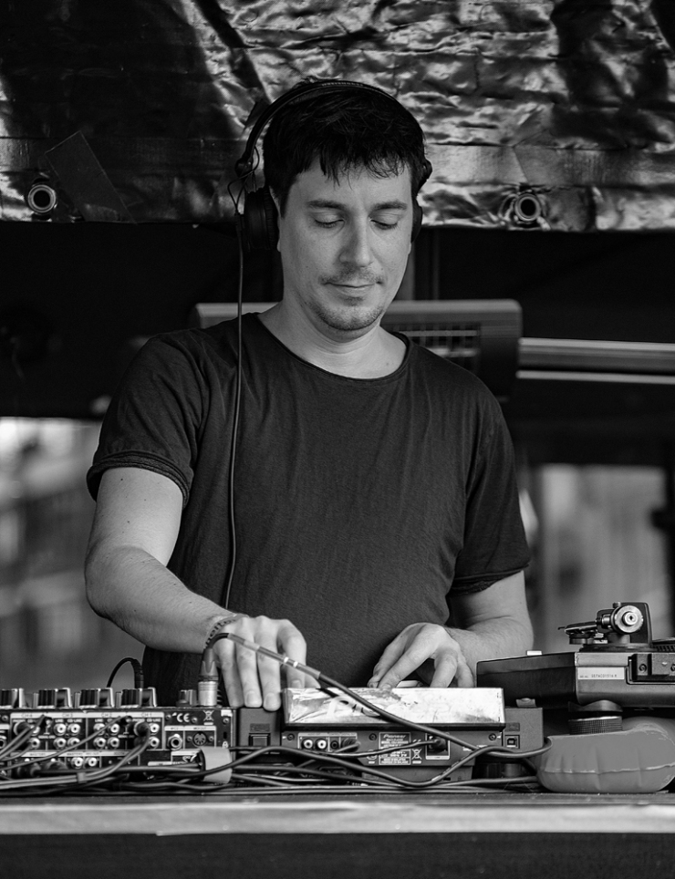 THE KING'S DAY, AMSTERDAM (28): The DJ