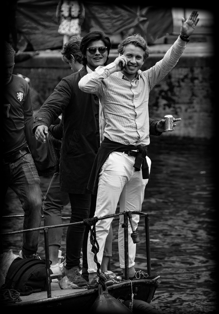 THE KING'S DAY, AMSTERDAM (20): The Boys on the Bow