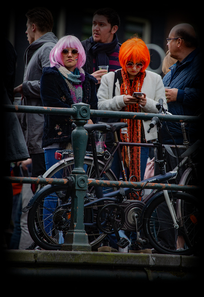 THE KING'S DAY, AMSTERDAM (1): The Twins (almost)