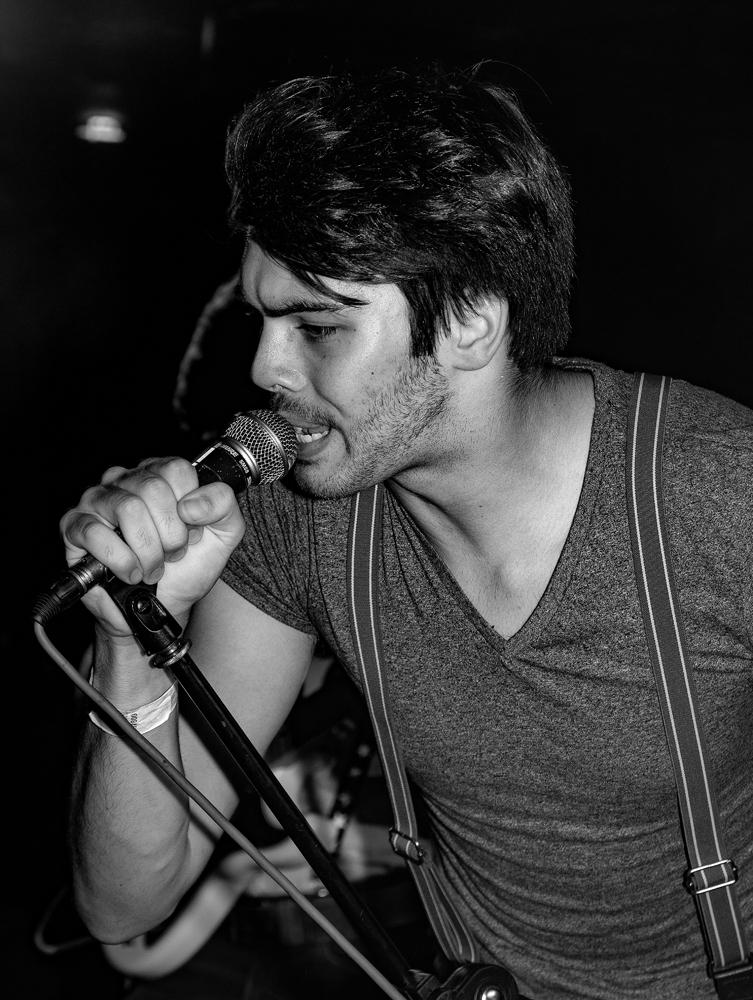 The Singer - Richard Broom Photography