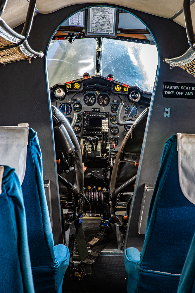 The Old Style Cockpit - Richard Broom Photography