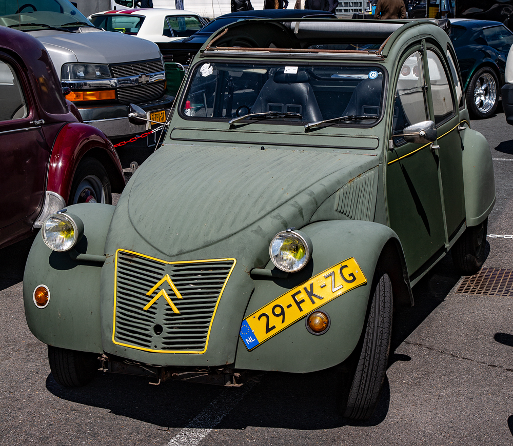 The Citroen 2CV - Richard Broom Photography