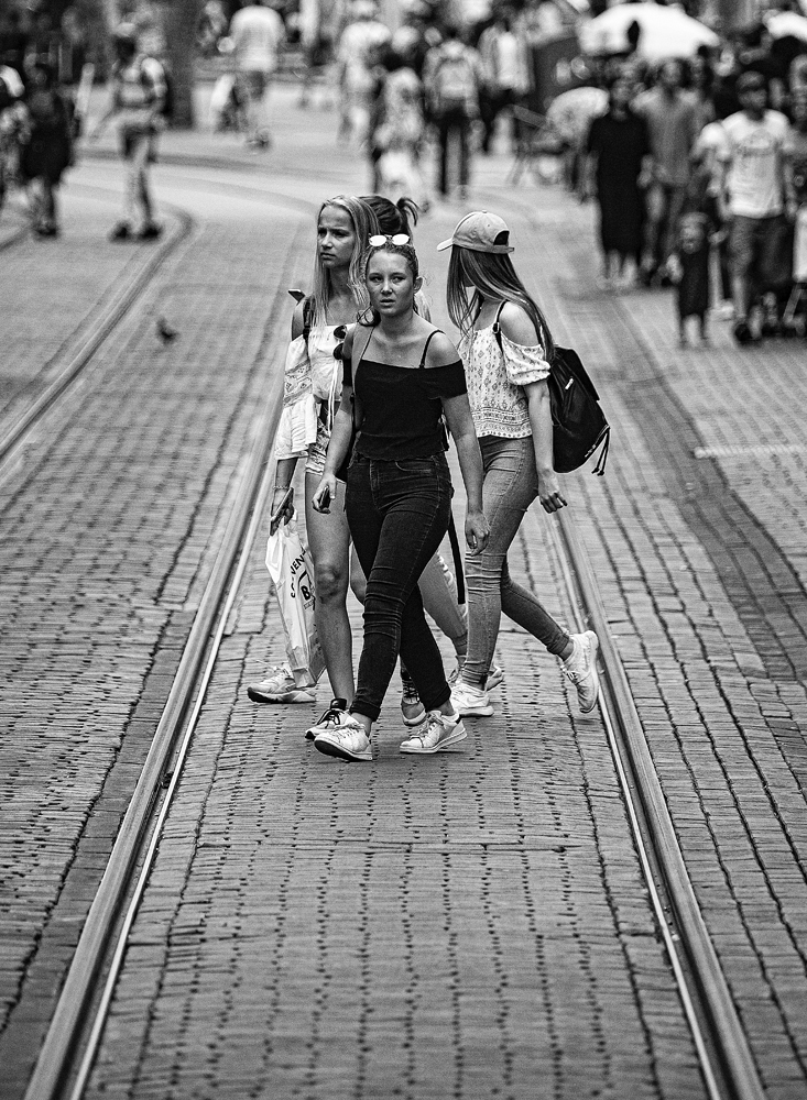 The Girls Crossing The Line - Richard Broom Photography