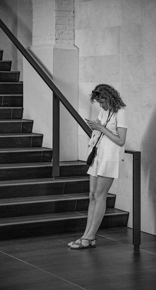 The Text Girl - Richard Broom Photography