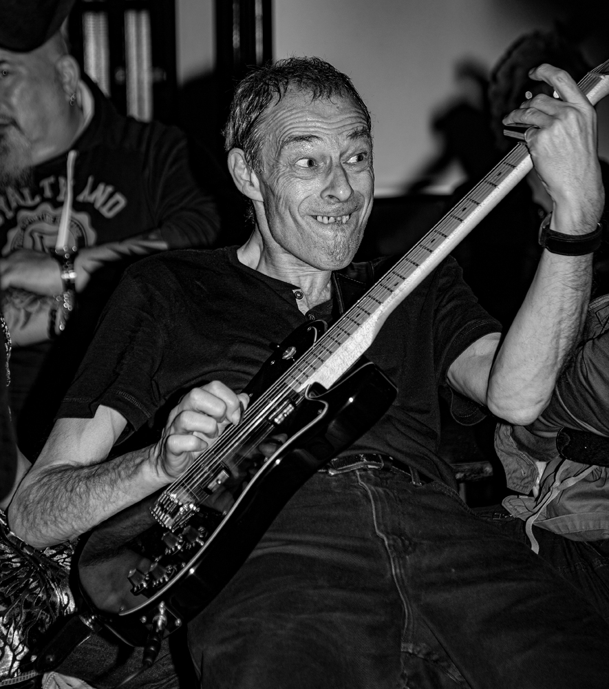 The Guitar Man (1) - Richard Broom Photography