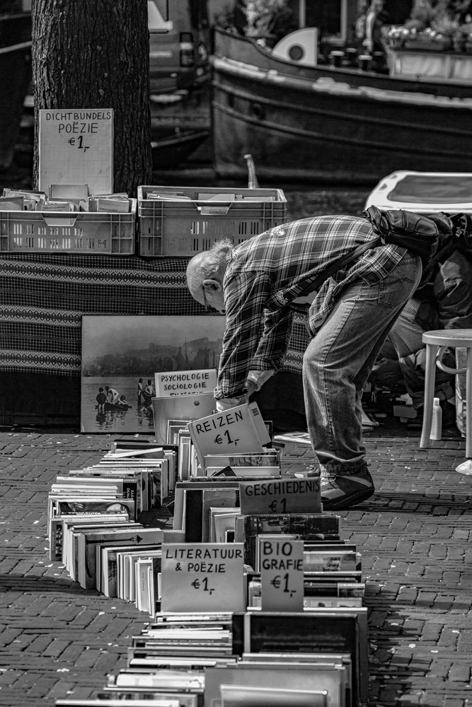 The Book Buyer - Richard Broom Photography
