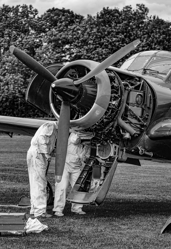 The Ground Crew (1) - Richard Broom Photography