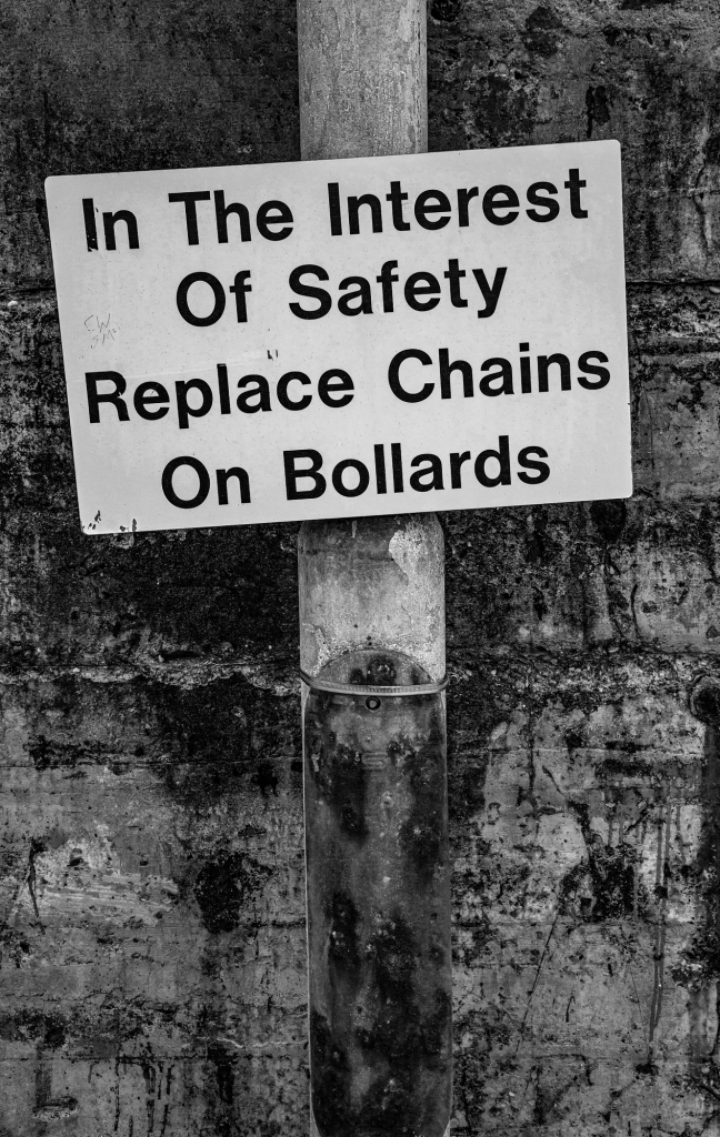 The Chained-up Bollards - Richard Broom Photography