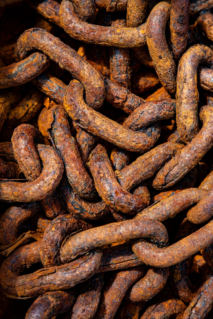 The Rusty Chain - Richard Broom Photography