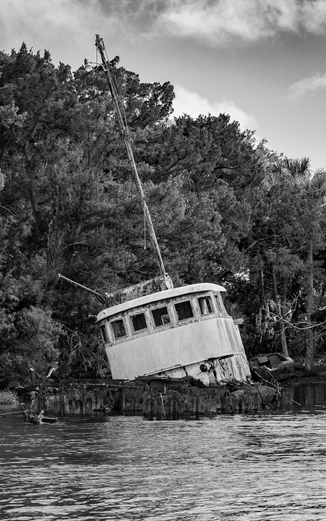 The Old Wreck - Richard Broom Photography