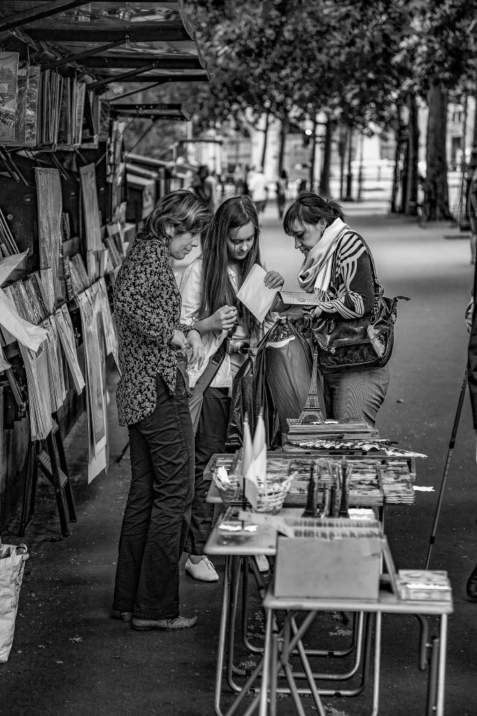 The Ladies Who Shop - Richard Broom Photography